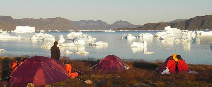 greenland-hiking-kayaking camp