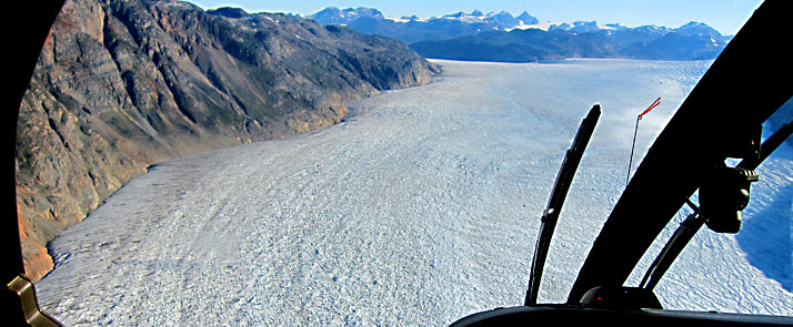 greenland-hotel-adventure-helicopter